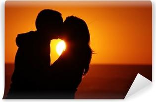 Vinylová Fototapeta Milující pár pláž západ slunce