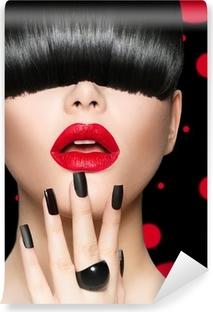 Vinylová Fototapeta Model dívka portrét s módní účes, make-up a manikúra