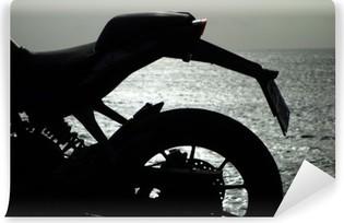 Vinylová Fototapeta Motocicleta Junto Al Mar Al atardecer