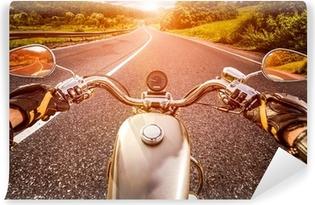 Fototapeta Winylowa Motocyklista w trasie