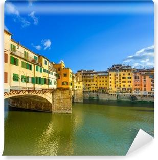 Fototapeta winylowa Ponte Vecchio na zachodzie słońca, stary most, Florence. Toskania, Włochy.