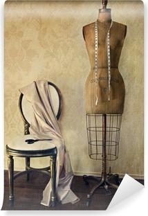 Fototapeta samoprzylepna Antique forma sukienka i krzesło z rocznika uczucie