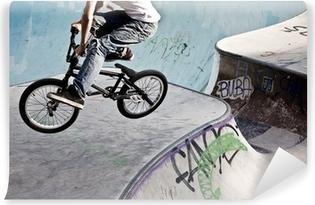 Fototapeta samoprzylepna BMX w skateparku