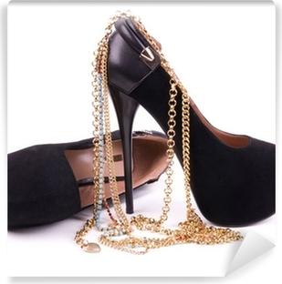 Fototapeta winylowa Sexy modne buty, biżuteria złota