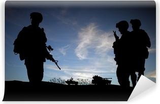 Vinylová Fototapeta Silueta moderních vojáků s vojenskými vozidly