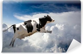 Vinylová Fototapeta Super kráva létání nad mraky