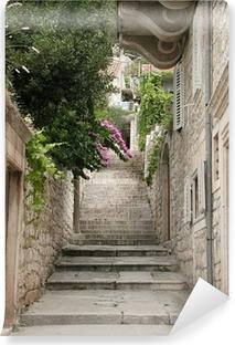 Fototapeta winylowa Widok na wąskiej alei w Split, Chorwacja