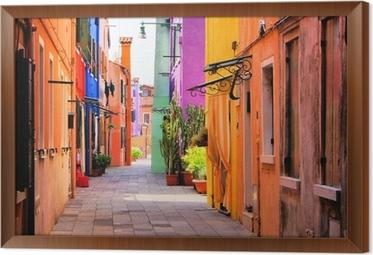 Gerahmtes Leinwandbild Farbenfrohe Straße in Italien
