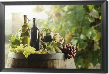Gerahmtes Leinwandbild Wein mit Fass und Weinberg