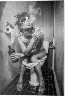Glasbild Mädchen sitzt in einer Toilette