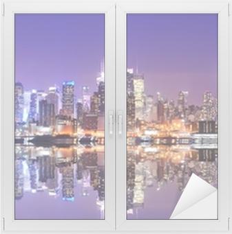 Manhattan-horisontti, jossa heijastukset Ikkuna- Ja Lasitarra