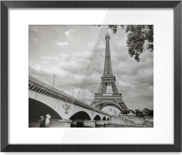 Image Encadrée La tour Eiffel vue depuis la Seine au format carré