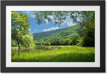 Image encadrée Paysage d'été avec le fleuve et le ciel bleu