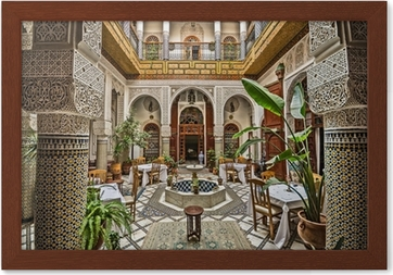 https://t1.pixers.pics/img-1fb6f67c/ingelijste-afbeeldingen-marokkaans-interieur.jpg?H4sIAAAAAAAAA3WOXW6EMAyErxOkgJ0QA84B9nWPgCAJW1r-lNB2tadvUNXHyg_2jDT-Bj63NEwBXNjOEGGdvV8CTPOSVbIxpPkVBMqa2sJmdxGIWNj9K0QX90OUxLJUpGSDShJyYb-HnFyH-CHezvNIFiDV1TE_87u8XAK3JtCoOsAOaGyHYEaiybnQ-1iOcXiVDT4NVsf2kHhN8VfDIEpz4c84ryL32TPoFO_Ho4B_YL835BTc7kAMrLMA7i6rv92JWRvkrld1owyPftRaMTW1mQiV9lxTMJ1pfZUpP8h-LrMsAQAA