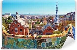 Puisto guell barcelonassa. barcelona - espanja Itsestäänkiinnittyvä Valokuvatapetti