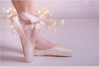 Ballerina pointe kenkiä tanssilavassa Juliste