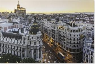 Panoraamanäkymä gran via, madrid, espanja. Juliste