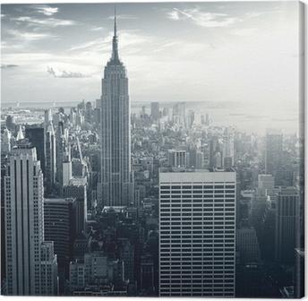 Upea näkymä New York Manhattan auringonlaskun aikaan Kangaskuva