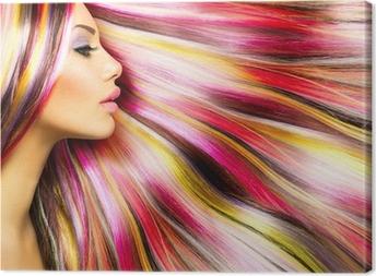 Kauneus muoti malli tyttö värikäs värjätyt hiukset Kangastuloste