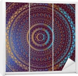 Klesskapklistremerke Gull Mandala. Indisk dekorativt mønster.