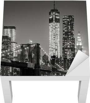 New York yöllä. brooklyn silta, alempi manhattan - musta Lack-pöydän Pinnoitus