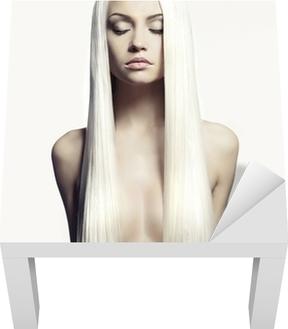Kuva seksikäs blondi nainen näyttää jalat Tapetti • Pixers® - Elämme  muutoksille 77ab684dfe