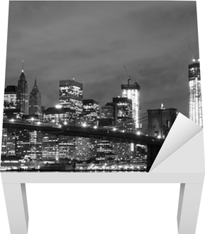 Brooklyn Bridge and Manhattan Skyline At Night, New York City Lack Table Veneer