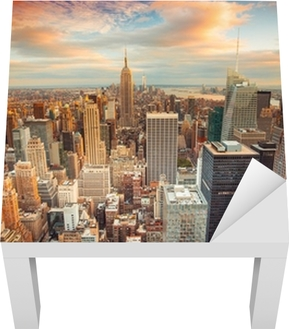 Sunset view of New York City overlooking midtown Manhattan Lack Table Veneer