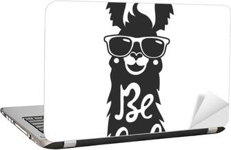 Laptop Sticker Vector illustratie met stijlvolle lama dier in een zonnebril. Be cool - belettering offerte.