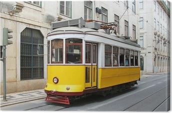 Leinwandbild Alte gelbe Straßenbahn Lissabon, Portugal