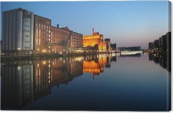 Leinwandbild Innenhafen Duisburg zur blauen Stunde