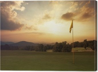 Leinwandbild Mountain sunrise auf dem Golfplatz
