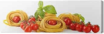 Leinwandbild Raw hausgemachte Pasta und Tomaten, isoliert auf weiß