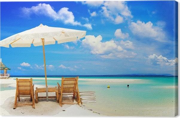 Liegestuhl mit sonnenschirm strand  Leinwandbild Schönen tropischen Strand mit Sonnenschirm und ...