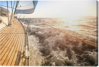 Lerretsbilde Seiling til soloppgangen. Luksus yacht.