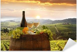 Naklejka Pixerstick Białe wino z winnicy, w Barell Chianti, Toskania, Włochy