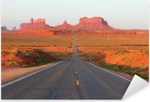 Naklejka Pixerstick Droga do Monument Valley