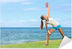Naklejka Pixerstick Kobieta ćwiczenia CrossFit