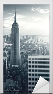 Naklejka na drzwi Amazing view to New York Manhattan at sunset
