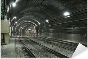 Naklejka Pixerstick Pusty tunel metra