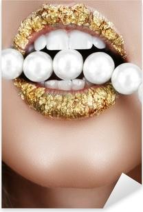 Naklejka Pixerstick Złotem usta z pereł