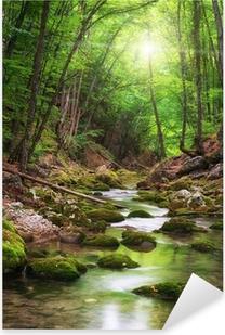 Nálepka Pixerstick River hluboko v horském lese