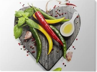 Obraz na Aluminium (Dibond) Świeże warzywa na pokładzie cięcia w kształcie serca