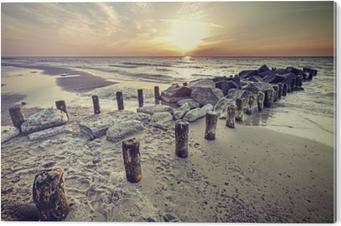 Obraz na Hliníku (Dibond) Retro vintage stylu krásný západ slunce nad baltským mořem.