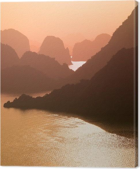 Obraz na plátně Baie d'Halong, soleil couchant - Vietnam - Asie