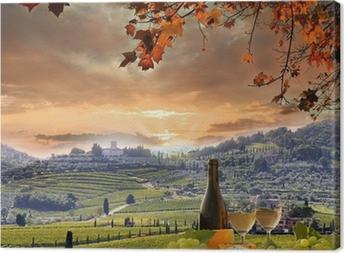 Obraz na plátně Bílé víno s Barell ve vinici, Chianti, Toskánsko, Itálie