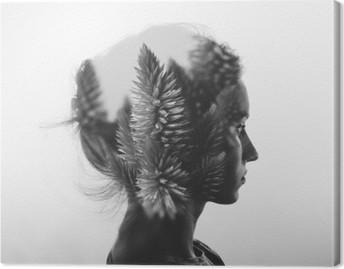 Obraz na Plátně Creative dvojitá expozice s portrétem mladé dívky a květinami, monochromatický