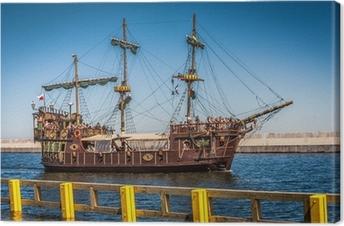 Obraz na płótnie Galeon piracki statek na wodach Bałtyku
