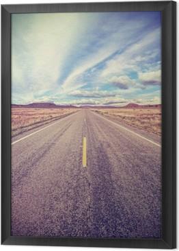 Rámovaný obraz na plátně Retro stylizované pouštní dálnici, cestovní dobrodružství koncept.