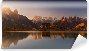 Omyvatelná Fototapeta Mont Blanc a Alpy odráží v jezeře White